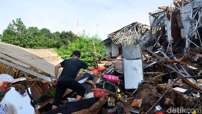 Kisah Ahda, Korban Selamat Insiden Tanggul Jebol di Pasirjati
