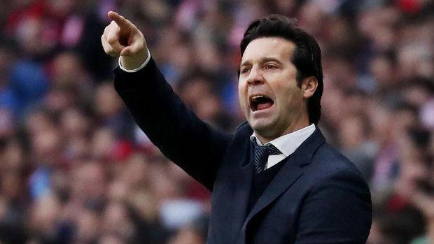 Santiago Solari berharap Real Madrid tampil serius saat menghadapi Ajax Amsterdam.
