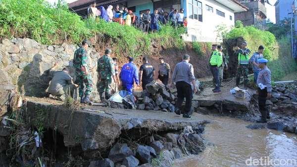 Detik-detik Tanggul Jebol di Pasirjati yang Tewaskan 3 Orang