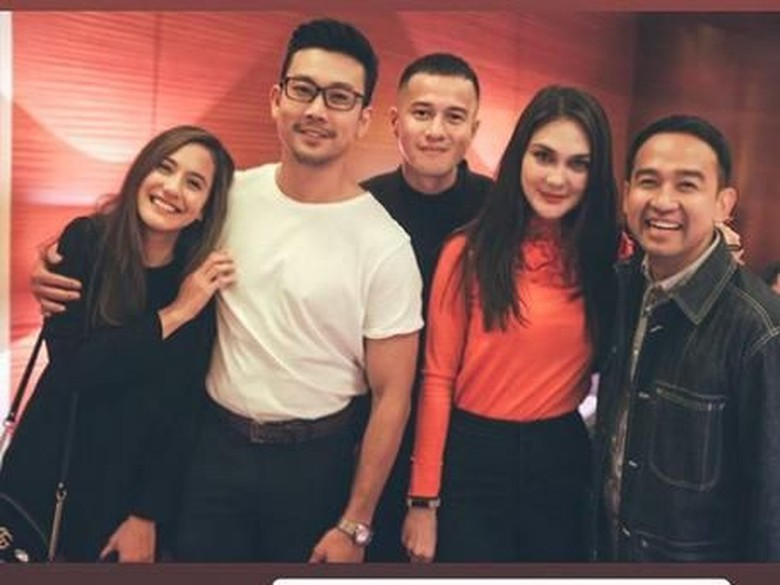 Postingan Denny Sumargo Bikin Heboh Netizen, Kenapa?