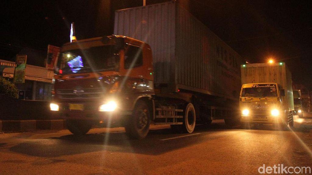 Sebagian Tol Trans Jawa Gelap Gulita, Begini Penjelasan Pemerintah
