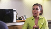 Mata Bengkak Soraya Haque Nantikan Ekki Soekarno Lepas dari Kritis