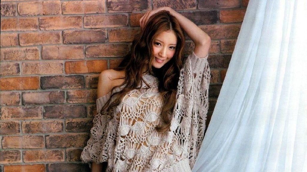 Foto Liburan Nanao, Model dengan Kaki Terindah di Jepang