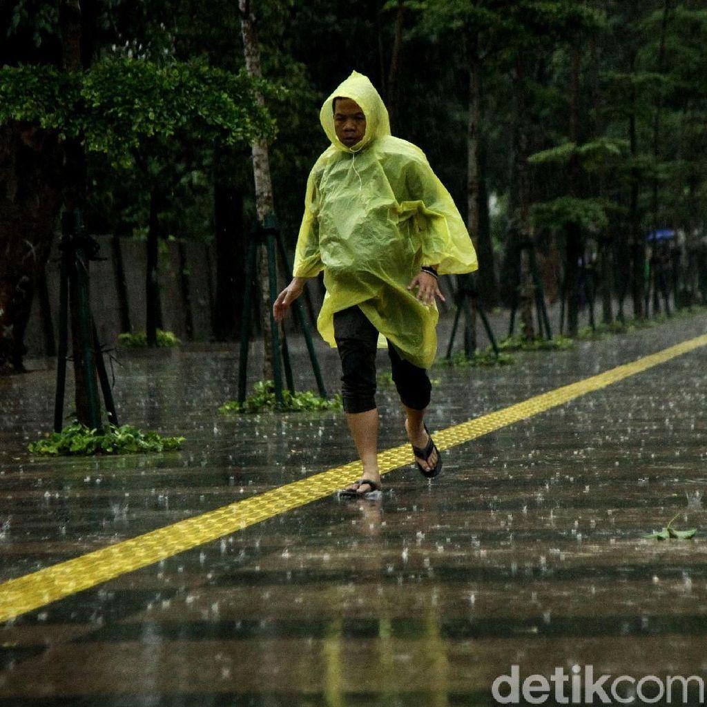 BMKG Prediksi Jaksel dan Jaktim Diguyur Hujan Hari Ini