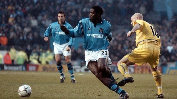Marc-Vivien Foe meninggal saat turnamen Piala Konfederasi 2003.