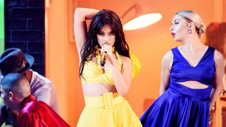 Aksi Panas Camila Cabello Buka Grammy Awards 2019