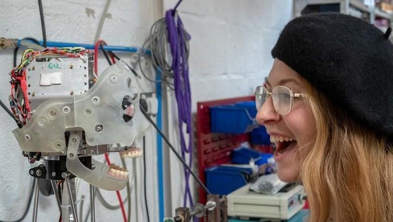Kenalan dengan Ai-Da, Robot Seniman Seperti Pablo Picasso