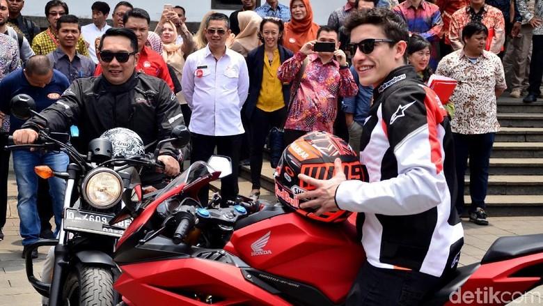 Ridwan Kamil dan Marc Marquez di Bandung Foto: Satria Nandha