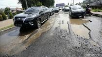 Duh! Jalan KH Noer Ali Kota Bekasi Rusak Parah