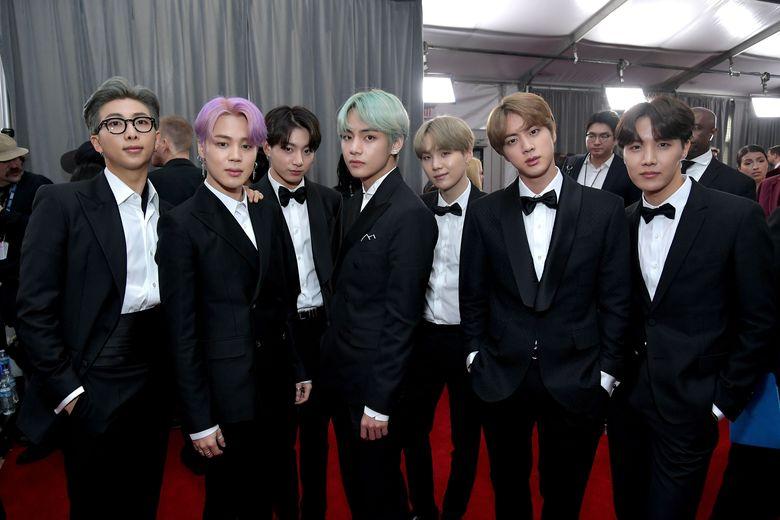 BTS saat menghadiri acara Grammy Awards 2019 di California, AS pada Minggu (10/2).Neilson Barnard/Getty Images for The Recording Academy