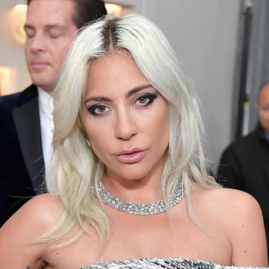 Lady Gaga Berhenti Mabuk dan Merokok