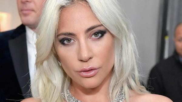 Lady Gaga Bela Cardi B yang Dibully Setelah Menang Grammy