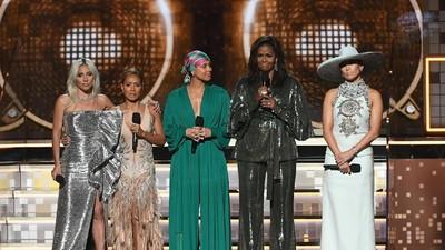 Dukung Sahabat, Michelle Obama Hadir Kejutkan Grammy Awards