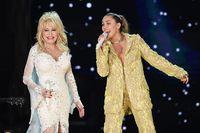 Dolly Parton dan Miley Cyrus.
