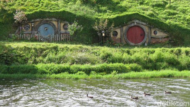 Desa Hobbiton yang Asli di Selandia Baru, Juara Banget!