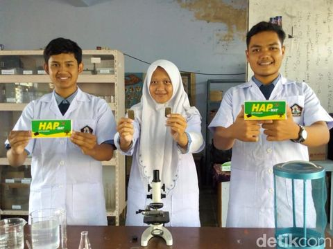 Tiga Pelajar Ini Bikin Obat Nyamuk Harum Semerbak Seperti Teh