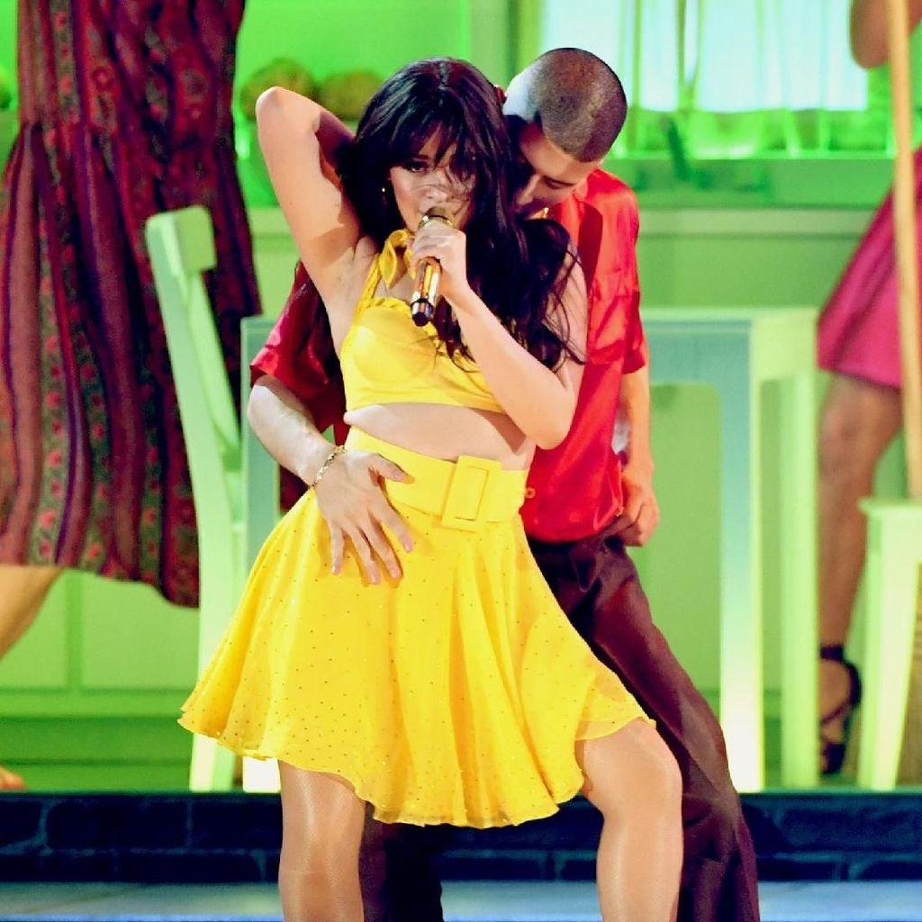 Camila Cabello dan Cardi B Gabung di Album Baru Ed Sheeran
