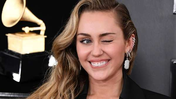 Miley Cyrus Kok Sendirian di Grammy Awards 2019?