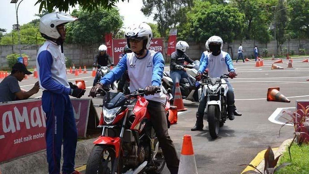 Edukasi Safety Riding di Saat Imlek 2019