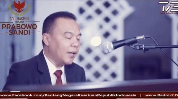 Dukung Ahmad Dhani, Waketum Gerindra Cover Lagu 'Hadapi dengan Senyuman'
