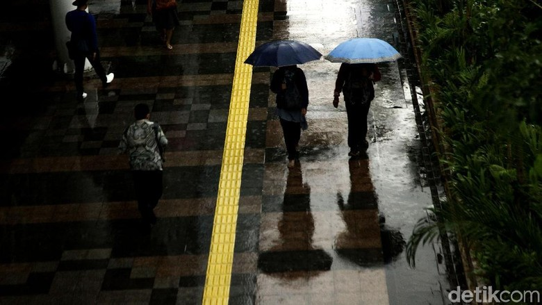 Imbas Hujan Semalam, Sejumlah Kawasan di Jakarta Tergenang