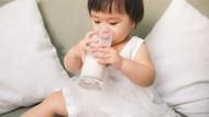 Tips Memilih Air Terbaik untuk Susu Si Kecil