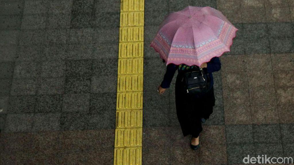 BMKG Prediksi Jakarta Diguyur Hujan Malam Ini