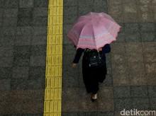 BMKG: Waspada Hujan Disertai Kilat di Jaksel dan Jaktim pada Sore Hari