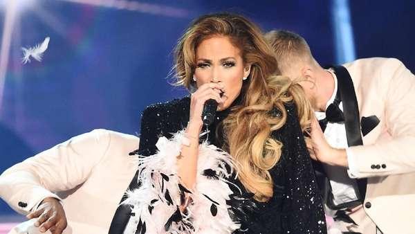 Sempat Dikritik, Jennifer Lopez tampil Maksimal di Grammy 2019