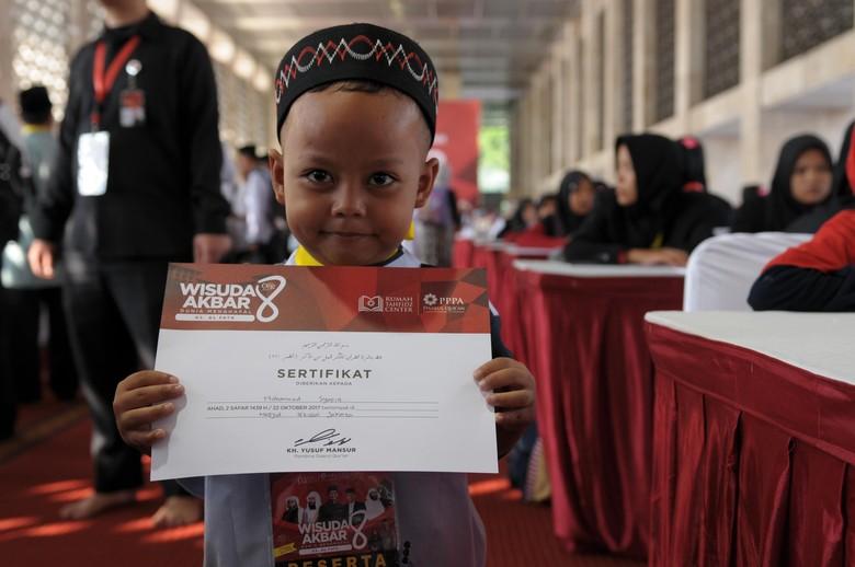 35 Ribu Santri Ikuti Wisuda Akbar Rumah Tahfizh PPPA Daarul Quran