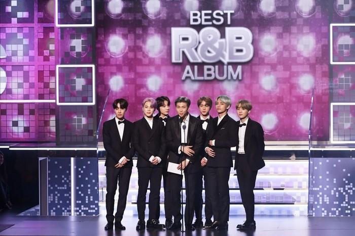 Penampilan BTS saat naik panggung di Grammy Awards 2019. Foto: Kevin Winter/Getty Images