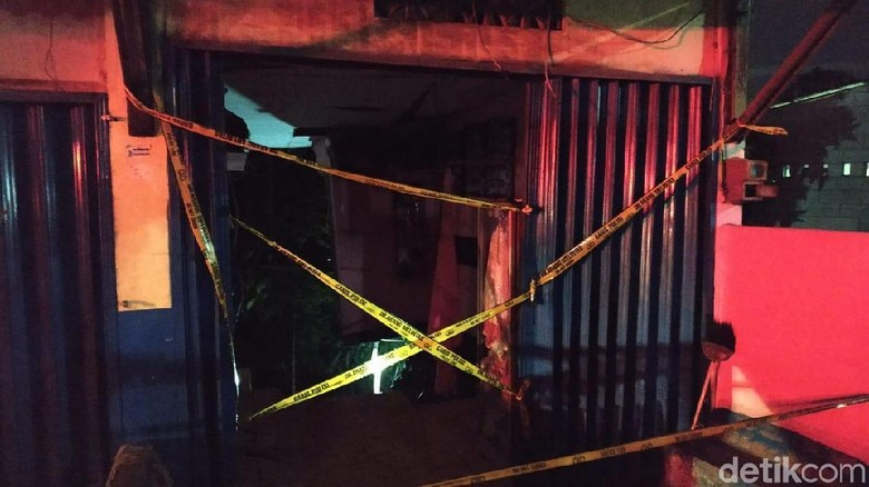 Bangunan Salon di Semarang Tergerus Banjir, Pemilik Terbawa Arus