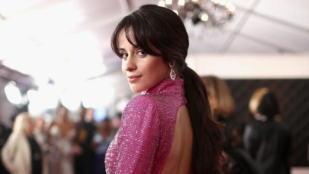 Alasan Camila Cabello Jarang Main Media Sosial