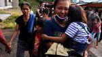 Ratusan Warga Mengungsi Usai Gunung Karangetang Sulut Erupsi