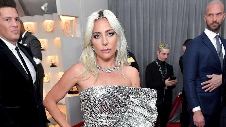 Sexy In Silver! Dua Lipa dan Lady Gaga