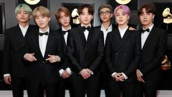 Selamat! BTS Raih Piala Group of the Year Awards di 2019 Hitmakers Variety