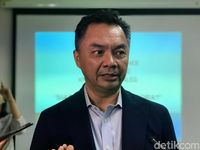 'Serang' Rich Brian, Jejak Dino Patti Jadi Sorotan