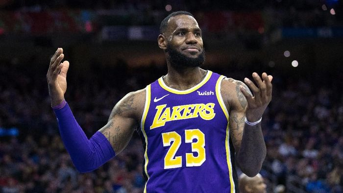 LeBron James gagal ke playoff musim ini bersama LA Lakers (Bill Streicher-USA TODAY Sports)