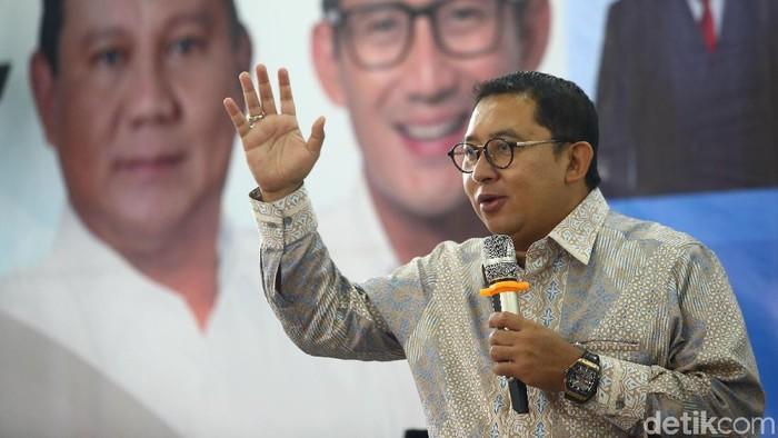 Waketum Partai Gerindra Fadli Zon kembali menyindir Presiden Jokowi dalam sebuah diskusi di Seknas Prabowo-Sandi.