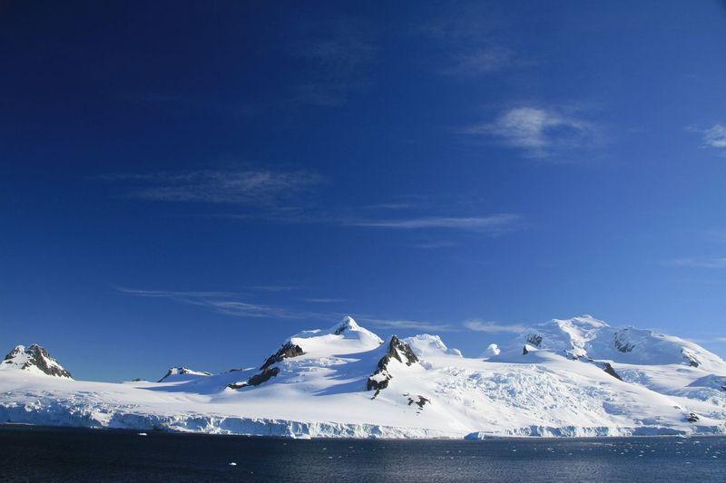 Half Moon Island merupakan pulau di bagian utara dari Kutub Selatan. Lokasinya masuk dalam kawasan Kepulauan South Shetland (iStock)