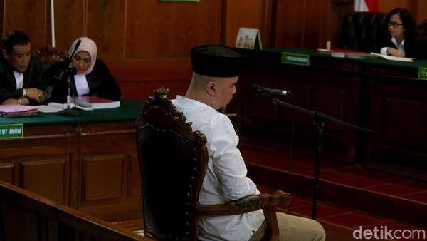 Sidang Agenda Tanggapan Jaksa, Akankah Dhani Berulah Lagi