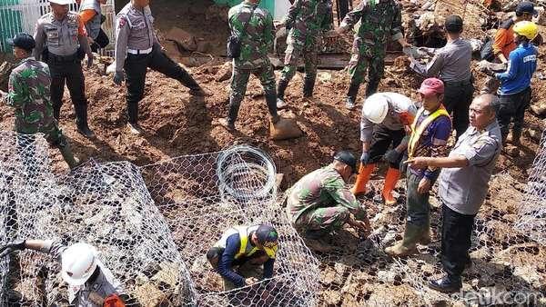 Pemulihan Tanggul Jebol di Pasirjati Ditargetkan Rampung 2 Hari
