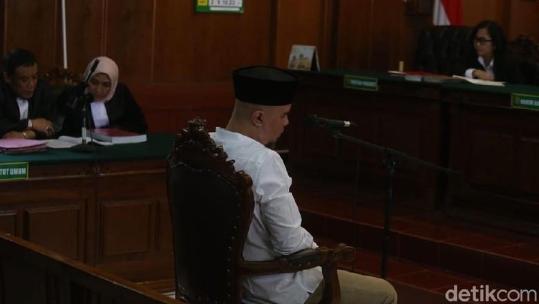 Kasus Idiot, Pengacara Ahmad Dhani Minta Hakim Tolak Dakwaan