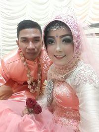 Pasangan asal Jember ini awalnya berantem komentar di Facebook tapi malah jadi jodoh