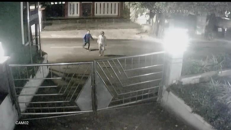 TKP Pedagang Pecel Lele Dirampok Geng Motor di Pejaten Rawan Kriminal