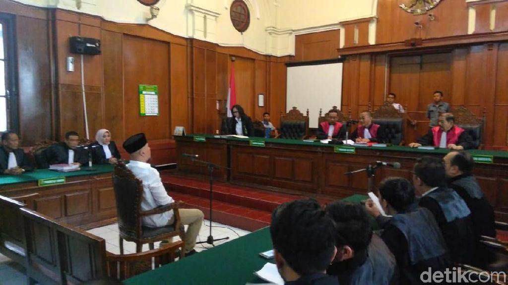 Tak Ada Mulan Jameela dan Kerabat di Sidang Lanjutan Ahmad Dhani