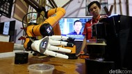 Canggih! Robot Barista Ini Mejeng di Pameran Pendidikan