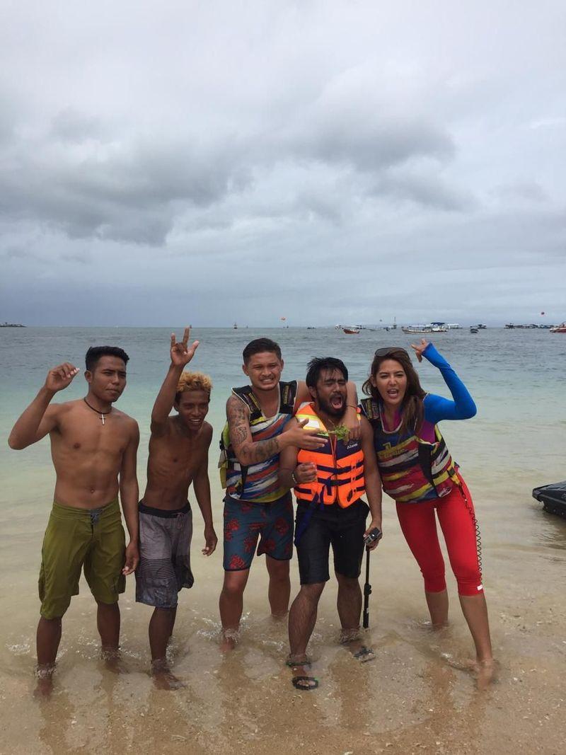 Kamu pikir Bali cuma begitu-begitu saja? Kamu mesti lihat, Maria Selena dan Syamsir Alam bertualang di Bali dalam My Trip My Adventure (My Trip My Adventure)