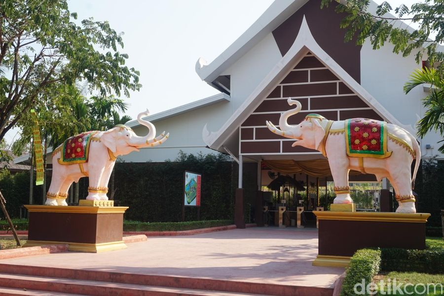 Di Suan Thai, sebuah taman rekreasi di Pattaya, Thailand, ada pertunjukan unik yang tidak boleh dilewatkan (Shinta/detikTravel)