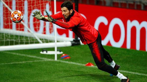 Gianluigi Buffon akan menghadapi lini serang Manchester United yang tengah dalam kepercayaan diri tinggi.